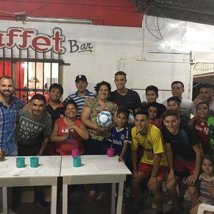Durante una de las acciones con su Fundación en un club de Córdoba