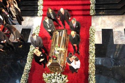Anel hizo guardia de honor en homenaje a José José en Bellas Artes (Foto: Diana Zavala / Infobae)