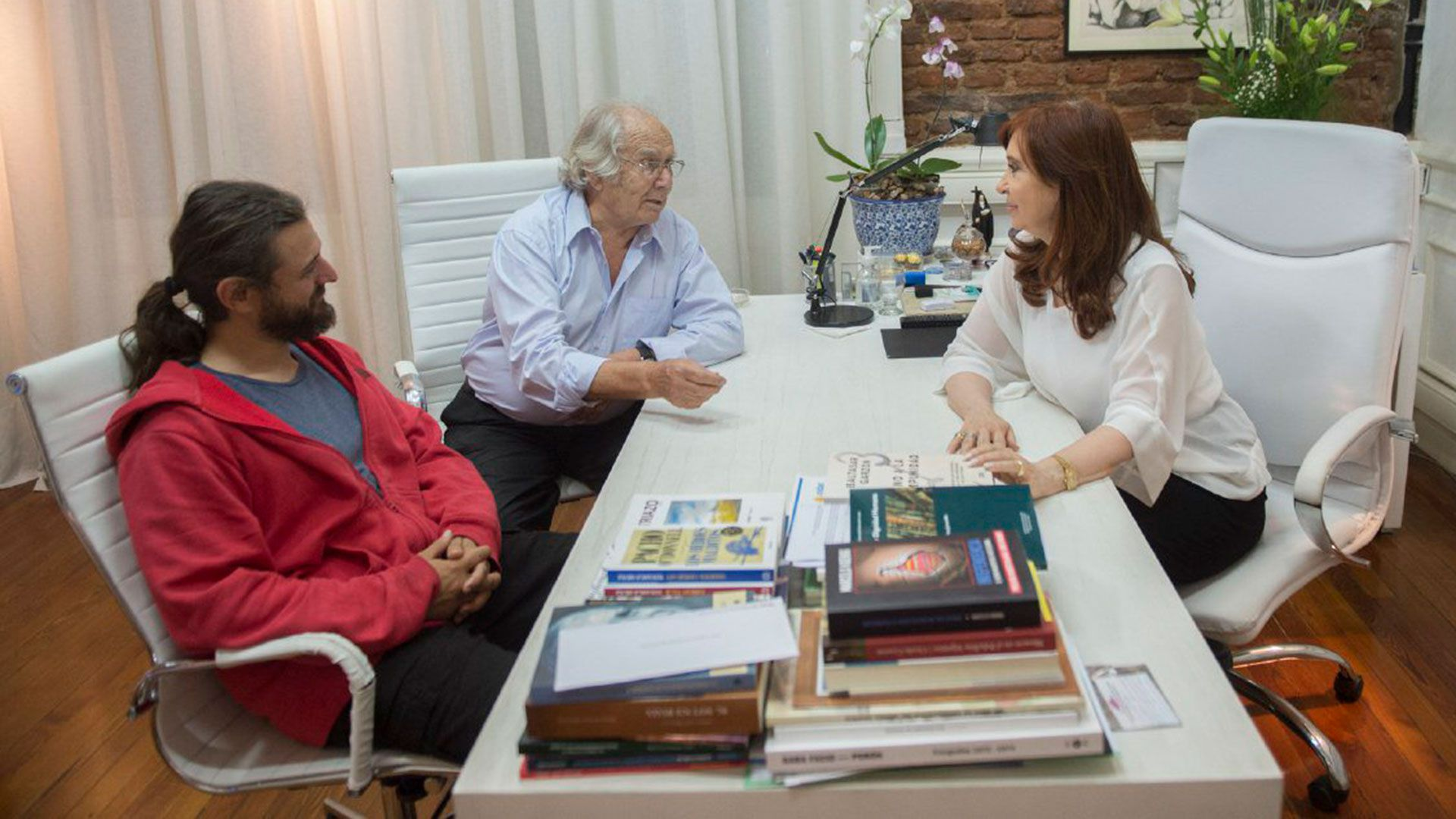Juan Grabois, Adolfo Pérez Esquivel y Cristina Kirchner