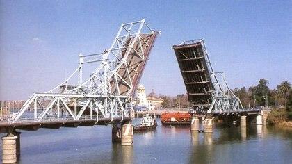 03/09/2020 El antiguo puente de Alfonso XIII en su ubicaci�n original POLITICA ARCHIVO