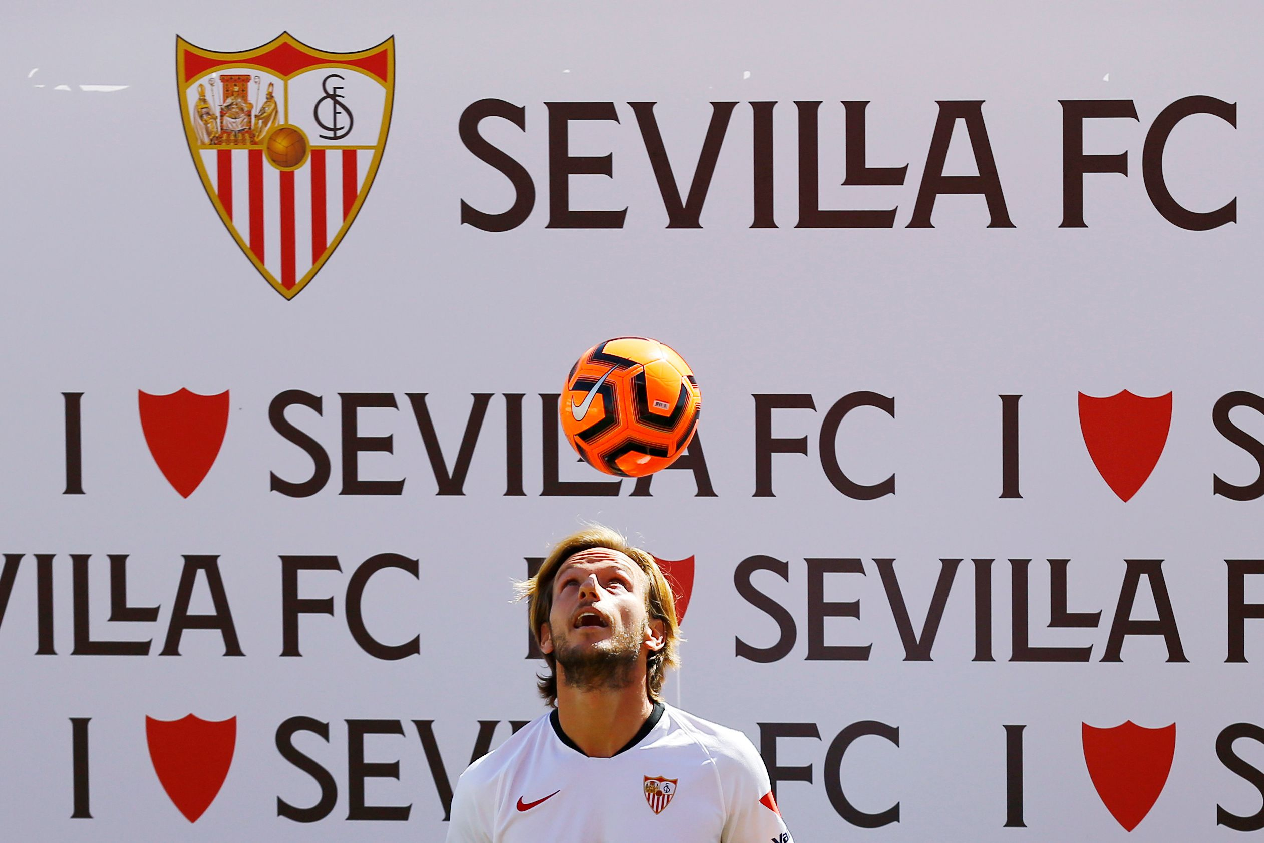 El mediocampista de 32 años volvió a Sevilla (Foto: Reuters)