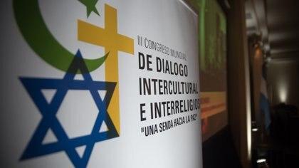 El diálgo interreligioso es una arista importante de los distintos credos (Manuel Cortina)