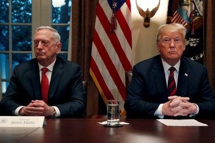 El presidente de EEUU, Donald Trump y James Mattis