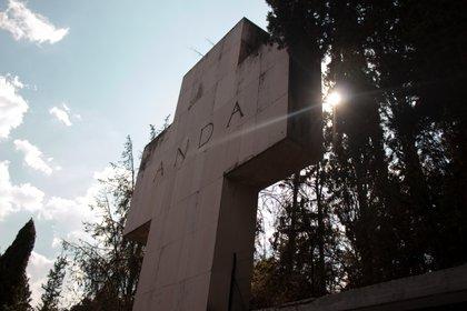 Los restos de Solís yacen en el Panteón Jardín, en un área dedicada a los artistas más recordados por la ANDA (Asociación Nacional de Actores)