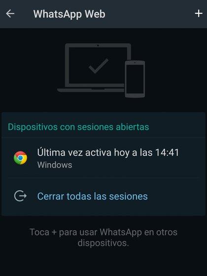 Para cerrar la sesión web de forma remota, debes acceder a la aplicación WhatsApp, desde tu móvil