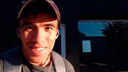 La última vez que se lo vio al joven de 22 años fue en un control policial en la zona de Mayor Buratovich.