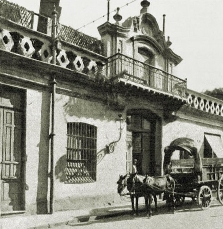 La casa de Manuel Belgrano, donde nació y donde murió. Estaba en avenida Belgrano al 400 y fue demolida en 1909.