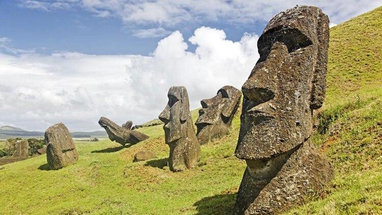 En la Isla de Pascua se encuentran pocos visitantes, el sonido de la naturaleza, serenidad para apreciar lo que el lugar quiere mostrar (Archivo)