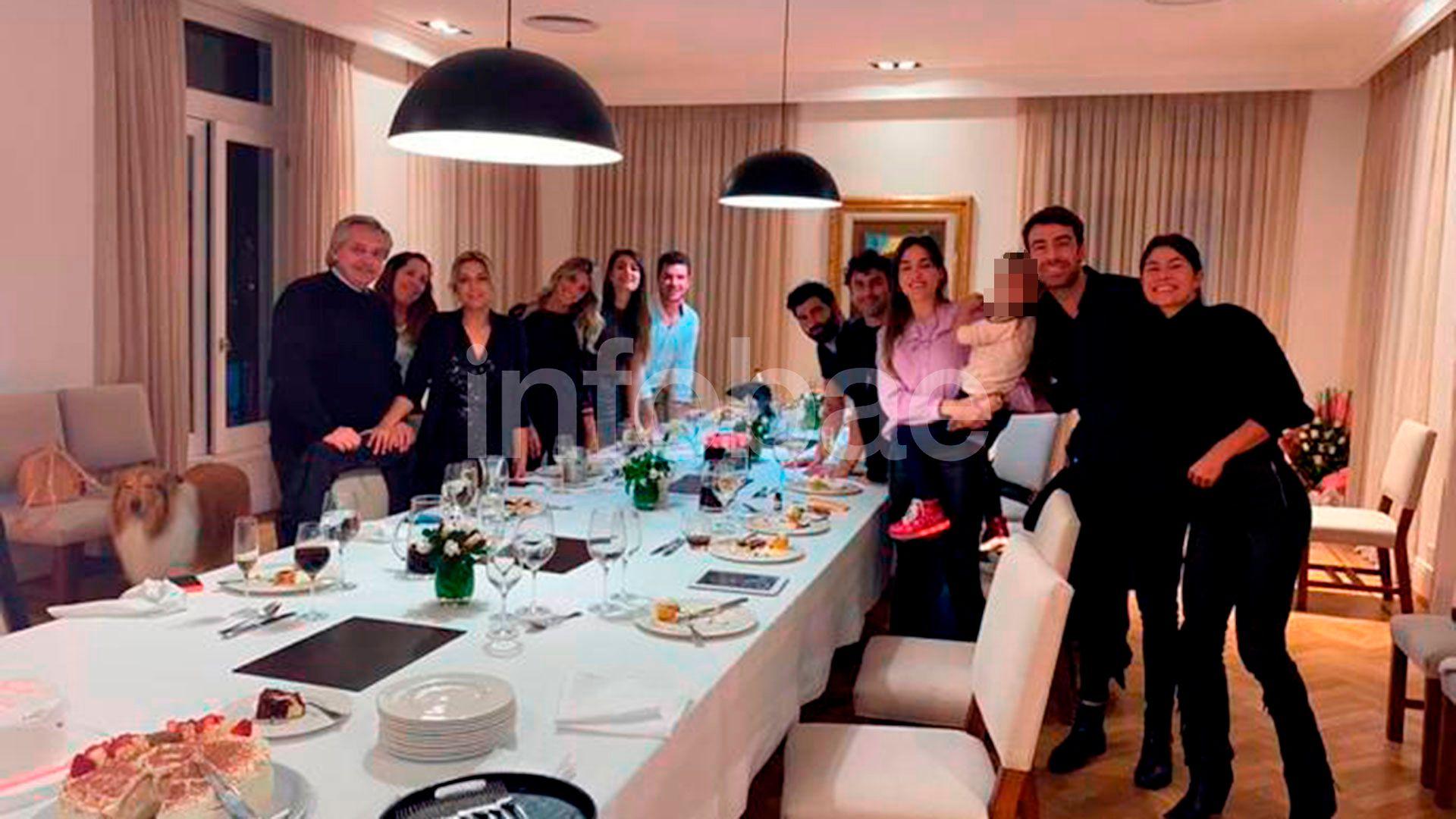 Fabiola Yáñez - quinta de olivos - cumpleaños cuarentena  -  Alberto Fernández