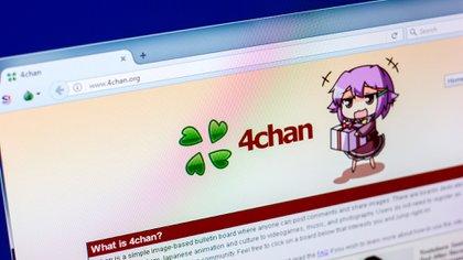 Imagen de la plataforma 4chan (Shutterstock)