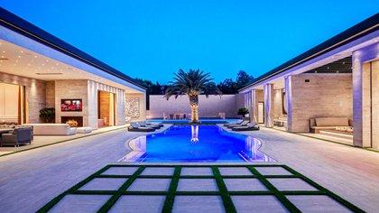 La espectacular piscina de la masión de Kylie Jenner (Zillow)