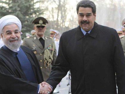 Hasan Rohani y Nicolás Maduro