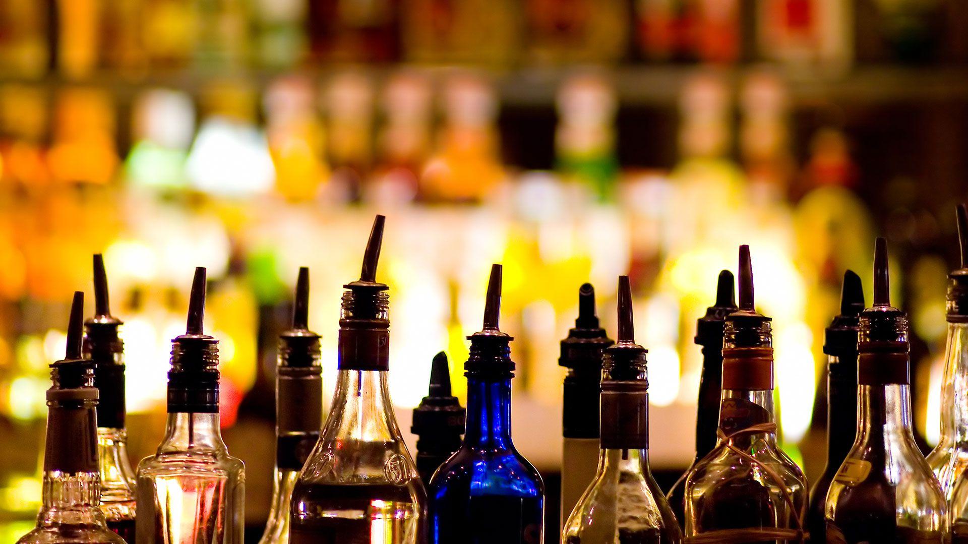 El consumo de alcohol también afecta al cerebro (Shutterstock)