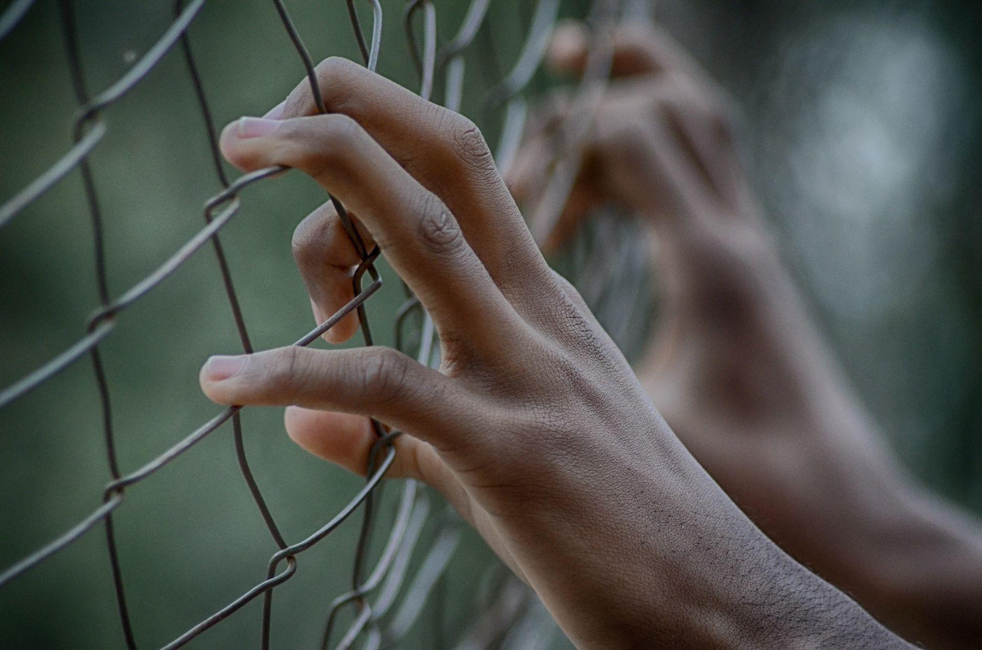 Las reclusas trabajan sin derecho a prestaciones laborales, que sí están contempladas en la ley (Foto: Pixabay)