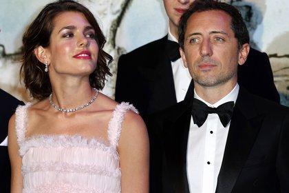 Charlotte Casiraghi y Gad Elmaleh (Reuters)