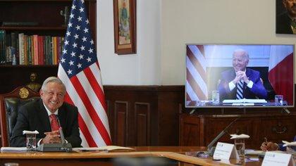 Los presidentes Andrés Manuel López Obrador y Joe Biden sostuvieron su primer encuentro como jefes de Estado el pasado 1 de marzo  (Foto: Twitter / @lopezobrador_)