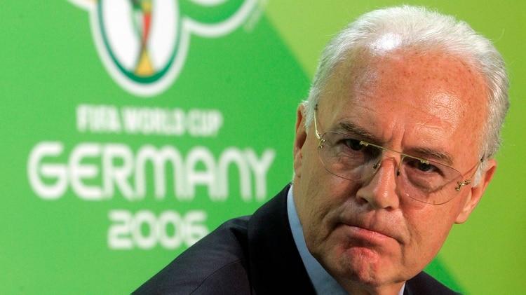 Beckenbauer fue el principal impulsor de la candidatura de Alemania para el Mundial 2006, del que luego fue organizador (AP)