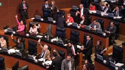 Dos de los tres poderes del estado mexicano han suspendido sus sesiones por la contingencia sanitaria de coronavirus (Foto: Cuartoscuro)
