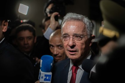 Imagen de archivo del ex presidente de Colombia Álvaro Uribe  (EFE/JUAN ZARAMA/Archivo)
