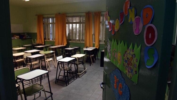 Desde el lunes 16 de marzo no hay clases presenciales en el país (Télam)
