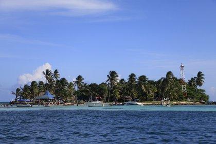 """La isla caribeña de San Andrés apunta a ser el """"Destino de playa líder en el mundo"""". EFE/Ricardo Maldonado Rozo/Archivo"""
