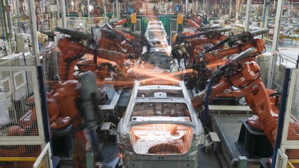 En el acumulado del primer bimestre el sector produjo un total de 46.117 vehículos, es decir, un 1,5% menos respecto de las 46.816 unidades que produjo en el mismo período de 2020, según Adefa. Foto NA: Prensa