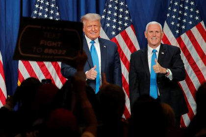 Donald Trump y Mike Pence fueron confirmados como candidatos republicanos (REUTERS/Carlos Barria)