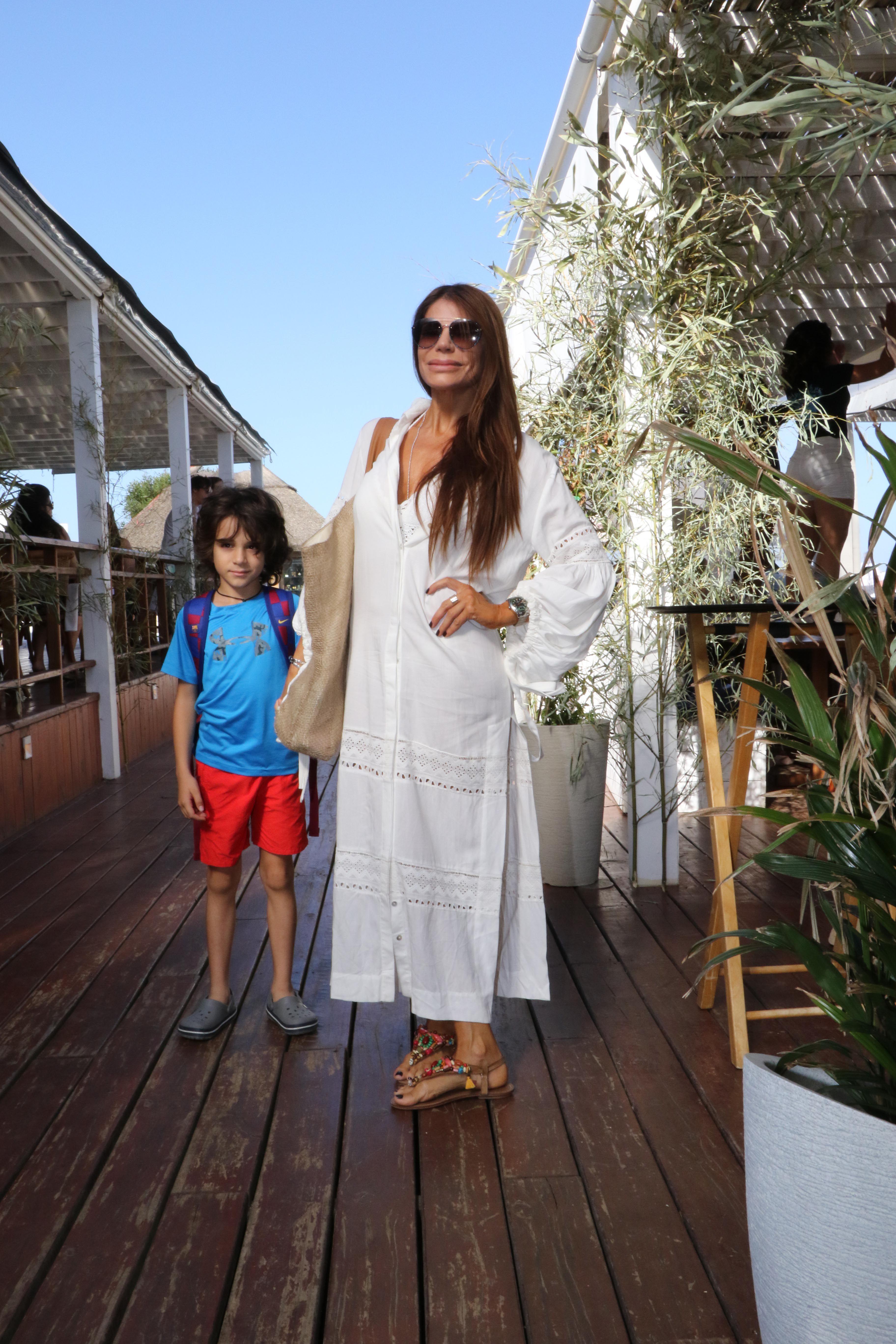 Zulemita Menem junto a su hijo