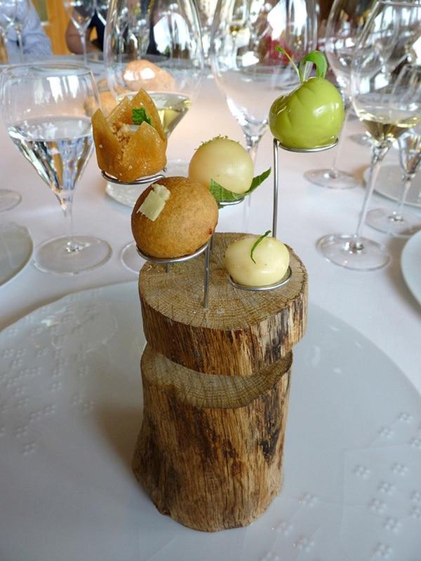 """Un plato de """"El Celler de Can Roca"""", en España (Wikimedia)"""
