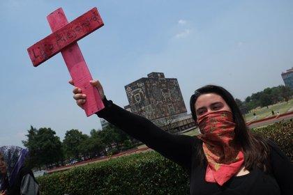 Grupos feministas responsabilizaron a las autoridades de la UNAM por cualquier daño a su salud y seguridad que pueda ocurrir durante la contingencia. FOTO: ANDREA MURCIA /CUARTOSCURO (ARCHIVO)