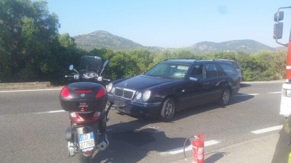 La moto de Clooney tras el accidente (Foto: Giovanna Sanna/La Nuova Sardegna)