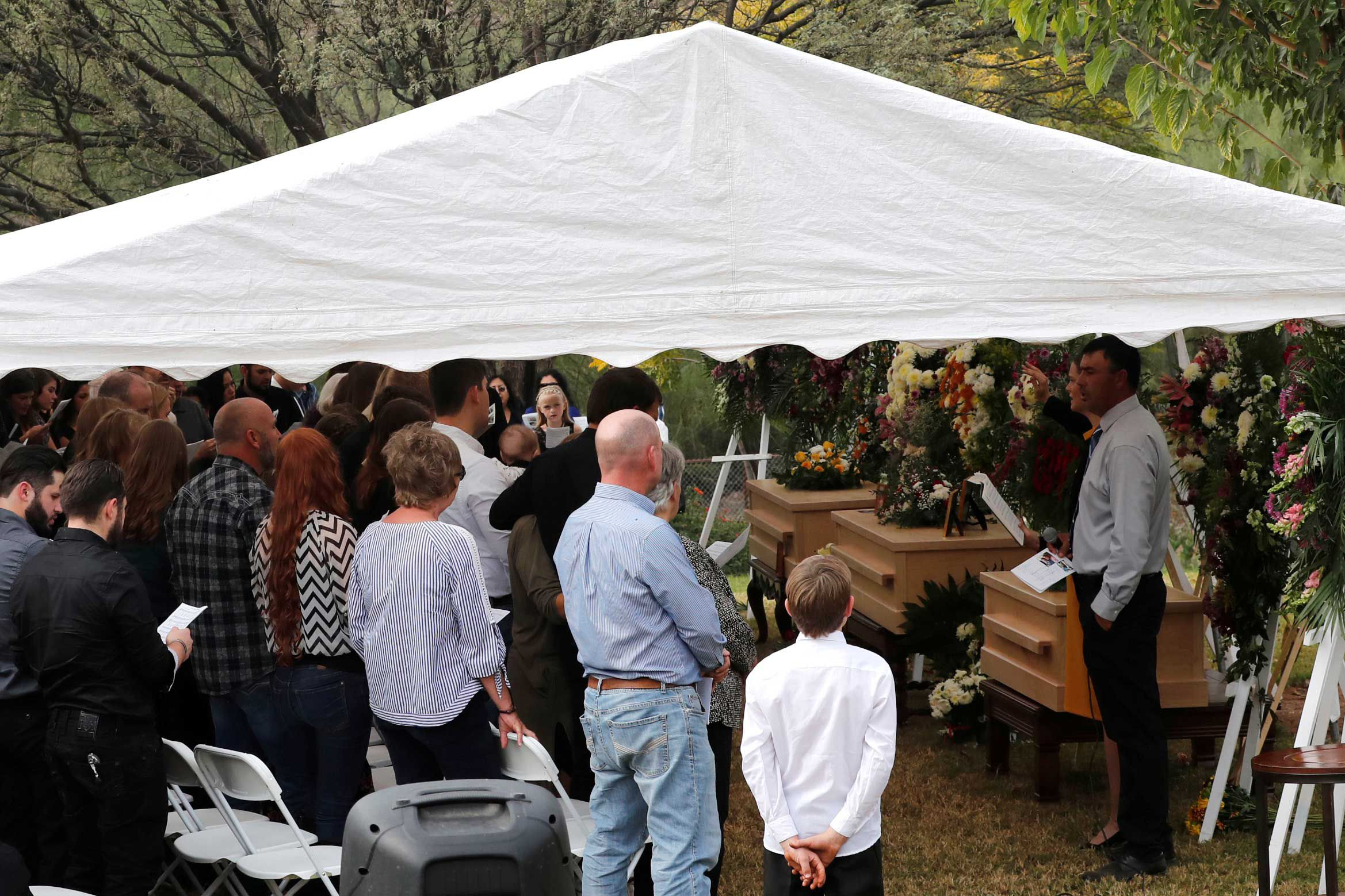 Funerales de al menos tres integrantes de la familia LeBarón (Foto: Reuters)