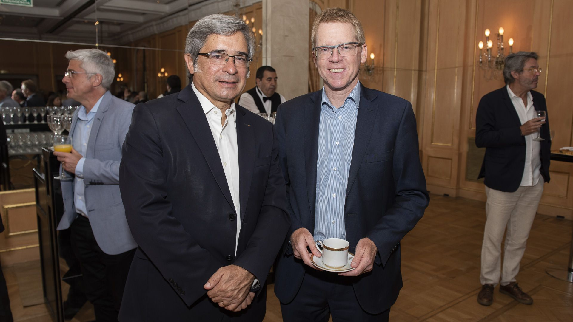 Javier Lozada, Danone, y Juan Curuchet, presidente de Banco Provincia de Buenos Aires