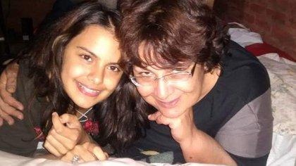 Anahí Benítez y su madre Silvia Pérez