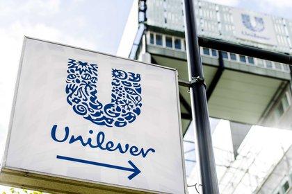 Vista del logo de la marca Unilever. EFE/Marco De Swart/Archivo