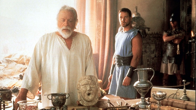 Oliver Reed y Russell Crowe en