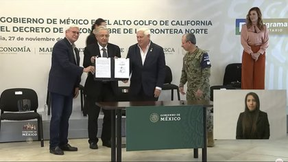 López Obrador firmó la extensión de estímulos fiscales en Mexicali, Baja California (Foto: Captura de pantalla)