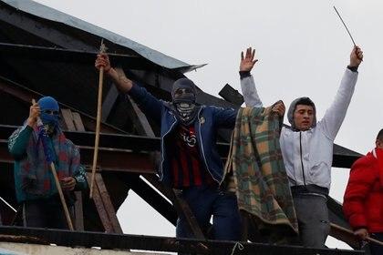 Viernes pasado: detenidos en los techos (REUTERS/Agustin Marcarian)