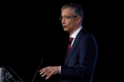 GRAF3749. MADRID, 29/03/2021.- El gobernador del Banco de España, Pablo Hernández de Cos, participa, este lunes, en un desayuno informativo, después de que el organismo que dirige revisara la semana pasada a la baja sus previsiones de crecimiento para la economía española en 2021. EFE/ J.j. Guillén