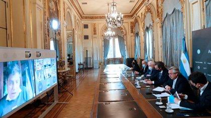 El Presidente mantuvo una videoconferencia con los gobernadores