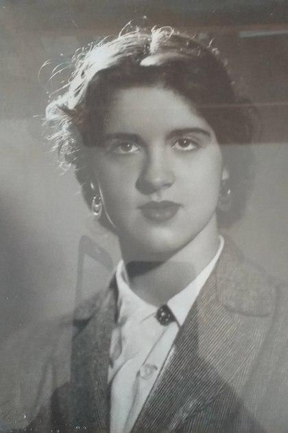 Pirí Lugones en la década de los 60. En 1977 fue secuestrada por un grupo de tareas y la asesinan meses después de su dtención