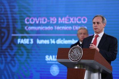 Hugo López-Gatell anunció que la vacunación comenzará el 20 de abril y terminará el 28 de mayo (Foto: EFE/ Sáshenka Gutiérrez)