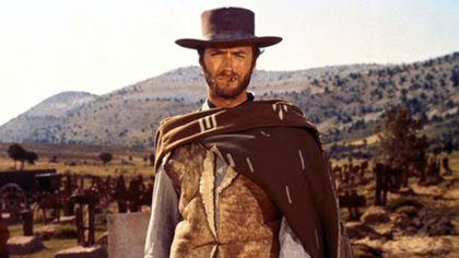 """Clint Eastwood, en una escena del western de Sergio Leone """"Por un puñado de dólares""""."""