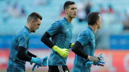 Juan Musso, Franco Armani y Agustin Marchesin (quedó desafectado por una lesión) durante un entrenamiento en la Copa América de Brasil. Foto: REUTERS/Henry Romero