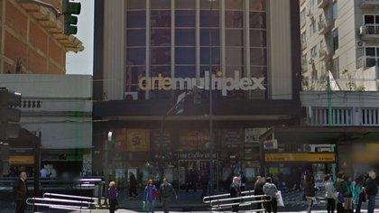 Luego de la oficialización de las nuevas restricciones, un importante cine de Belgrano anunció que cerrará definitivamente sus puertas