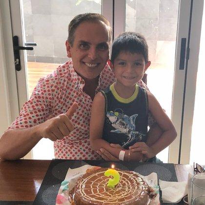 Una de las fotos en que aparece con su hijo, a quien se le había dificultado ver en los últimos tiempos (Foto: Instagram)