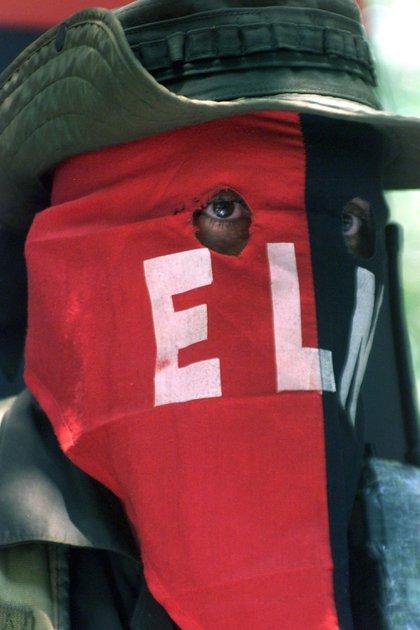 10/04/2002 Guerrillero del Ejército de Liberación Nacional (ELN) de Colombia POLITICA SUDAMÉRICA COLOMBIA CARLOS VILLALON
