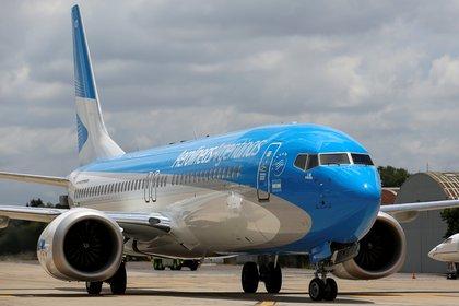 Luego de siete meses de cuarentena, este jueves se reanudan los vuelos de cabotaje (REUTERS)