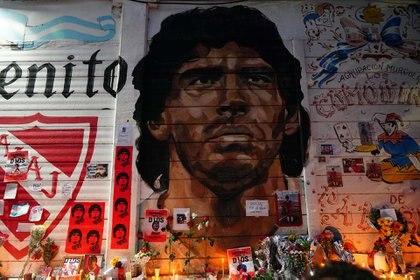 El santuario montado en La Paternal en homenaje a Diego Maradona (Foto: Franco Fafasuli)