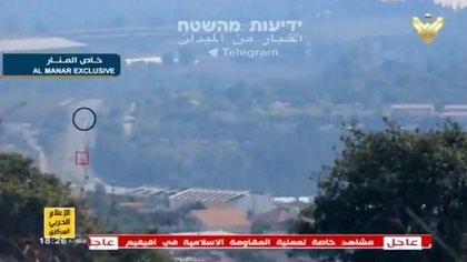 El círculo marca la posición del vehículo blindado israelí, según Al Manar